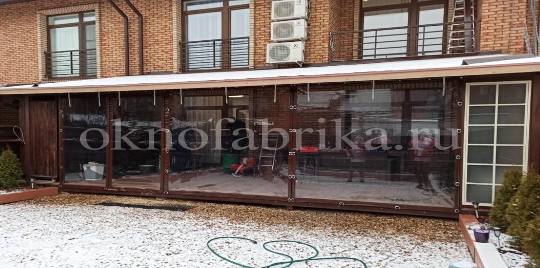Терраса с установленными мягкими окнами
